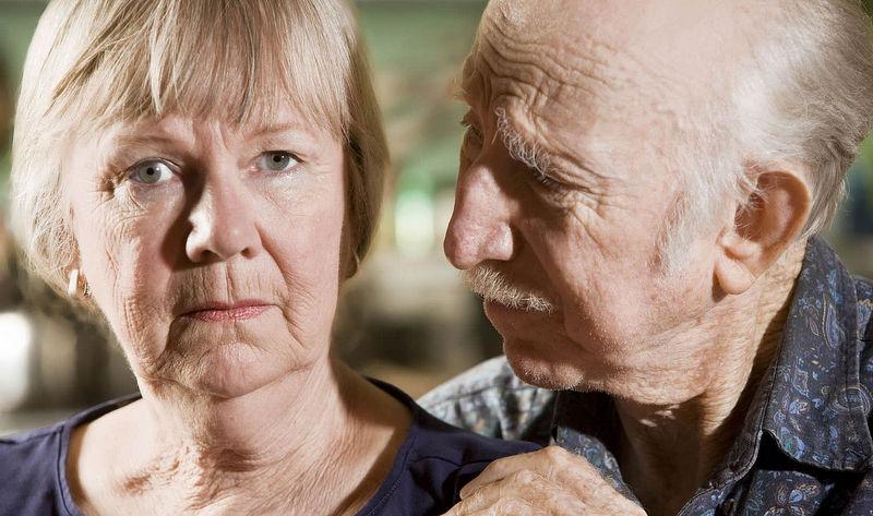 Écoute - Couple d'aînés inquiet