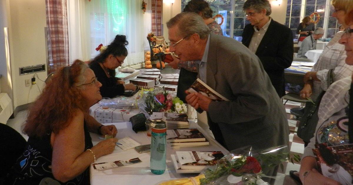 Photo lancement du livre Histoires fabuleuses d'une sage-femme authentique : Jeen Kirwen